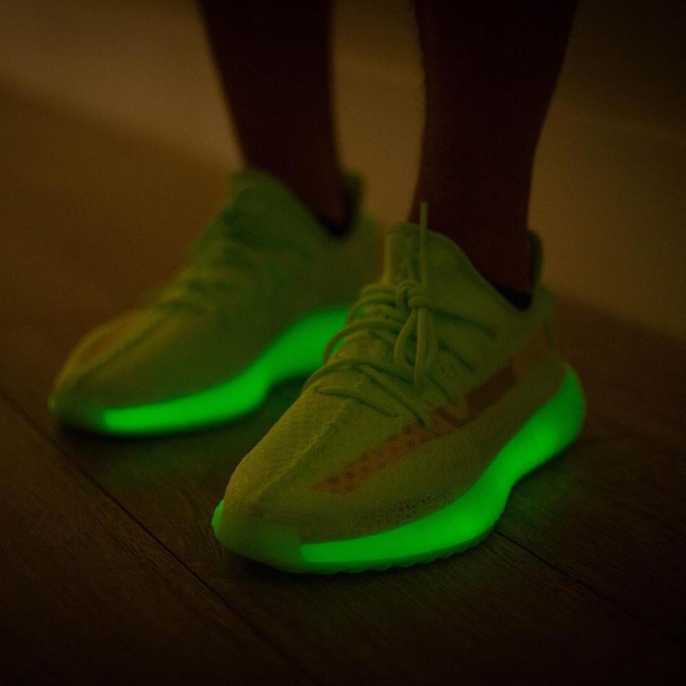 adidas-yeezy-boost-350-v2-glow-12