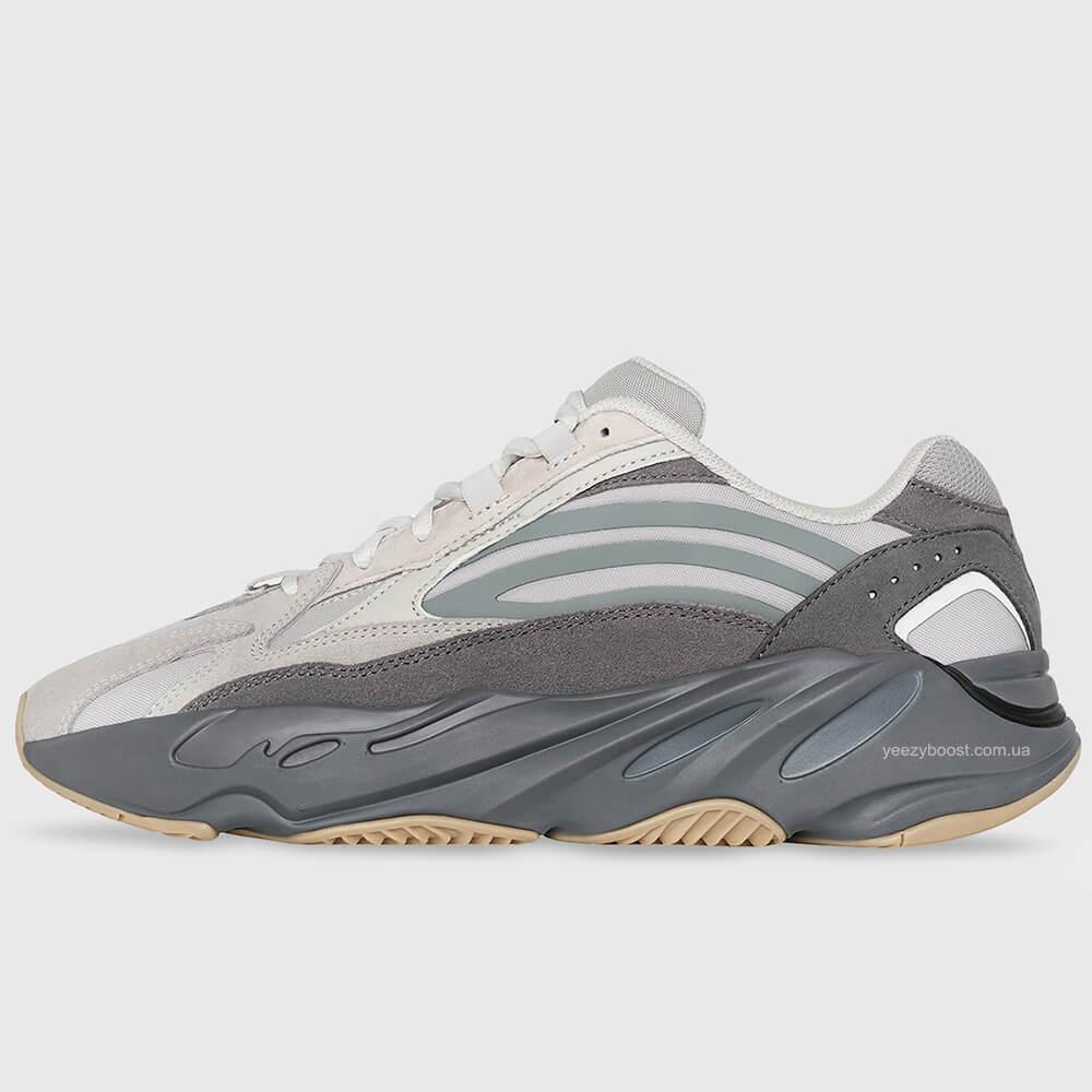 adidas-yeezy-boost-700-v2-tephra-2